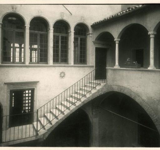 Palazzo Folco in una foto degli anni '50