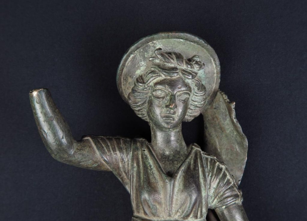 Il restauro del bronzetto alato di Vodo di Cadore